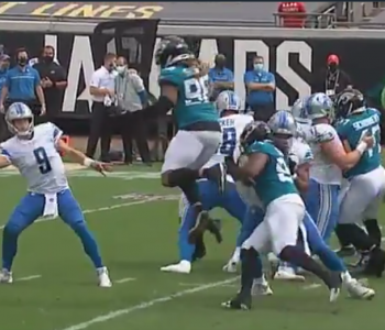 Matt Stafford reaches into bag of tricks with sneaky sidearm throw (Video)
