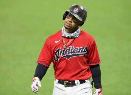 Francisco Lindor appears to pressure Indians into offering him new contract
