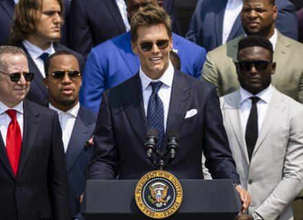 Tom Brady cracks joke about Super Bowl doubters at White House