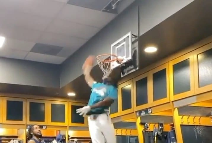 Dee Gordon dunking in Mariners clubhouse