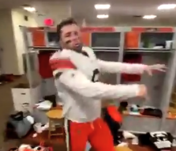 Baker Mayfield shows off dance moves in locker-room dance party after win over Bengals (Video)
