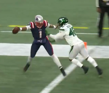 Cam Newton completely fools Jets on trick-play TD catch (Video)