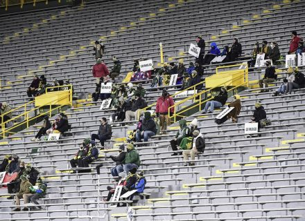 Tickets for Rams-Packers Divisional Playoffs game sell out in 27 minutes