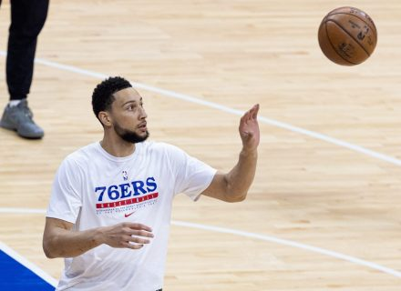 Could Ben Simmons actually remain with Sixers to start season?